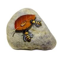 Pedra Pintada Abelha e Folha Seca